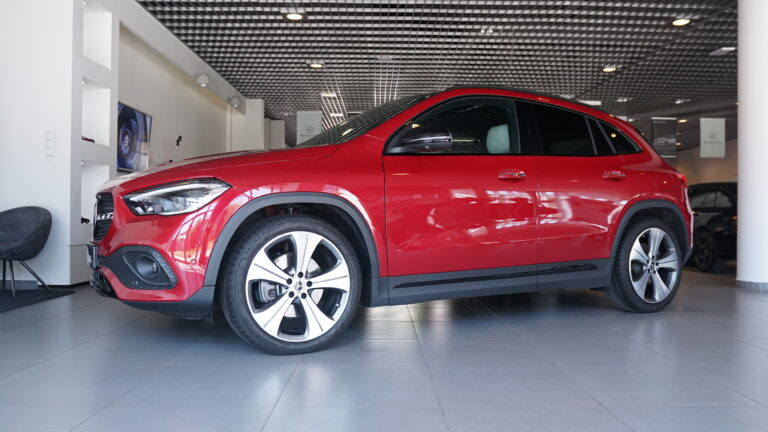 Mercedes-Benz GLA 220d 4MATIC